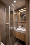 Annapurna-B105-salle-de-bain2-location-appartement-chalet-Les-Gets