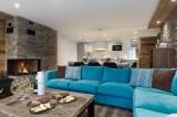 Annapurna-B201-salon-cheminee-location-appartement-chalet-Les-Gets