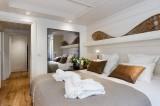 Annapurna-B202-chambre-double2-location-appartement-chalet-Les-Gets