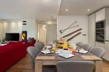 Annapurna-B202-sejour-salle-a-manger-location-appartement-chalet-Les-Gets