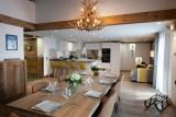 Annapurna-B301-sejour-salle-a-manger-location-appartement-chalet-Les-Gets