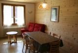 Armaillis-3-sejour-coin-repas-location-appartement-chalet-Les-Gets