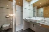 Arolle-Ourson-salle-de-bain4-location-appartement-chalet-Les-Gets