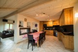 Azalees-7-sejour1-location-appartement-chalet-Les-Gets