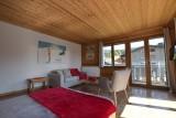 Beau-Sejour-3-salon-chambre-location-appartement-chalet-Les-Gets