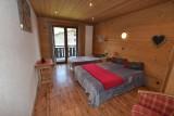 Beau-Sejour-4-chambre1-location-appartement-chalet-Les-Gets