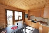 Beau-Sejour-5-cuisine-location-appartement-chalet-Les-Gets