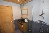 Beau-Sejour-6-salle-de-bain-location-appartement-chalet-Les-Gets