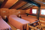 Benevy-chambre-lits-simples-location-appartement-chalet-Les-Gets