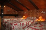 Benevy-chambre-triple-lits-simples-location-appartement-chalet-Les-Gets