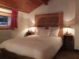 Berthet-Sports-Edelweiss-chambre-lit-double-location-appartement-chalet-Les-Gets