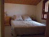 Bouillandire-C77-chambre-lit-double2-location-appartement-chalet-Les-Gets