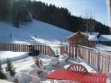 Caribou-1-terrasse-hiver-location-appartement-chalet-Les-Gets