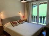 Caribou-B4-bis-chambre-double-location-appartement-chalet-Les-Gets