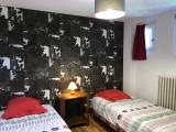 Caribou-B4-bis-chambre-lits-simples-location-appartement-chalet-Les-Gets