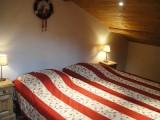 Carry-5-chambre1-location-appartement-chalet-Les-Gets