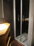 Carry-5-salle-de-bain-location-appartement-chalet-Les-Gets