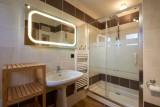 Chalet-Adventure-salle-de-bain3-location-appartement-chalet-Les-Gets