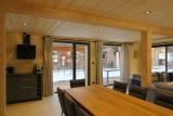 Chalet-du-Coin-salle-a-manger-location-appartement-chalet-Les-Gets