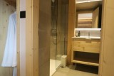 Chalet-du-Coin-salle-de-bain2-location-appartement-chalet-Les-Gets