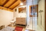 Chalet-La-Taniere-salle de bain-douche-location-appartement-chalet-Les-Gets