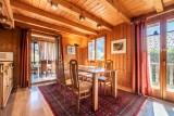 Chalet-La-Taniere-sejour2-location-appartement-chalet-Les-Gets