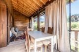 Chalet-La-Taniere-veranda-couverte-chauffee3-location-appartement-chalet-Les-Gets