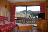Clos-fleuri-11-salon-location-appartement-chalet-Les-Gets