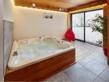 Cognee-jacuzzi-location-appartement-chalet-Les-Gets
