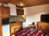 Cristaux-1-cuisine-location-appartement-chalet-Les-Gets