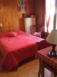 Eau-Vive-2-chambre-lit-double1-location-appartement-chalet-Les-Gets