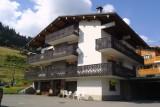 Escapade-2-Mont-Chery-exterieur-ete-location-appartement-chalet-Les-Gets
