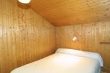 Fauvettes-3-Mont-Chery-chambre-lit-double-location-appartement-chalet-Les-Gets