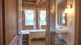 Ferme-du-Crinaz-salle-de-bain-location-appartement-chalet-Les-Gets