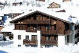 Fermes-d-Emiguy-2-pieces-6-personnes-exterieur-hiver-location-appartement-chalet-Les-Gets