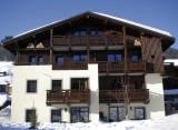 Fermes-d-Emiguy-3-pieces-6-personnes-exterieur-hiver3-location-appartement-chalet-Les-Gets