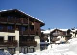 Fermes-d-Emiguy-3-pieces-alcove-8-personnes-exterieur-hiver4-location-appartement-chalet-Les-Gets