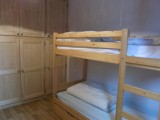 Flambee-chambre-lits-superposes-location-appartement-chalet-Les-Gets