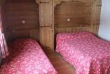 Fleur-des-Alpes-2-Ancolie-chambre-triple-location-appartement-chalet-Les-Gets