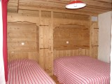 Fleur-des-Alpes-2-Ancolie-chambre-triple1-location-appartement-chalet-Les-Gets