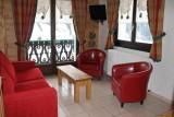 Fleur-des-Alpes-4-Edelweiss-salon-location-appartement-chalet-Les-Gets