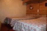 Fleur-des-Alpes-6-Gentiane-chambre-location-appartement-chalet-Les-Gets