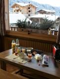 Floriere-3-table-a-manger-location-appartement-chalet-Les-Gets