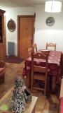 Floriere-4-sejour-table2-location-appartement-chalet-Les-Gets
