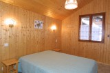 Forge-E-chambre-lit-double-location-appartement-chalet-Les-Gets