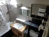 Grizzli-6-salle-de-bain-location-appartement-chalet-Les-Gets