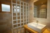 Isba-4-salle-de-bain-location-appartement-chalet-Les-Gets