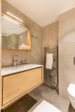 Kinabalu-11-salle-de-bain-location-appartement-chalet-Les-Gets