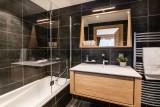 Kinabalu-14-salle-de-bain-location-appartement-chalet-Les-Gets