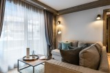 Kinabalu-18-salon-canape-location-appartement-chalet-Les-Gets